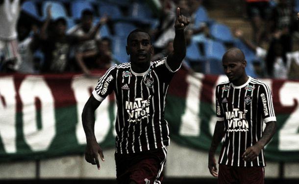 Fluminense bate Vasco, respira no Brasileirão e complica situação do rival