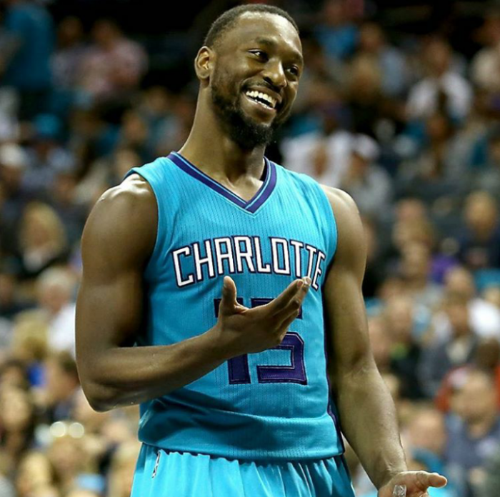 Hornets vence a Grizzlies