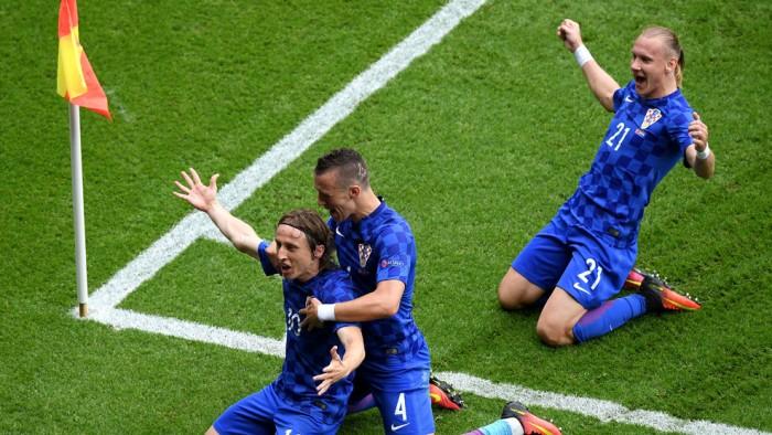 Modric da la victoria a Croacia
