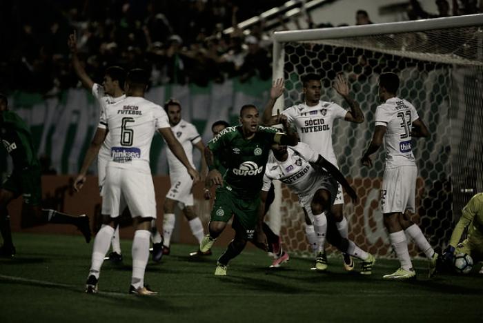 Chapecoense conquista segunda vitória seguida e mantém invencibilidade contra Fluminense
