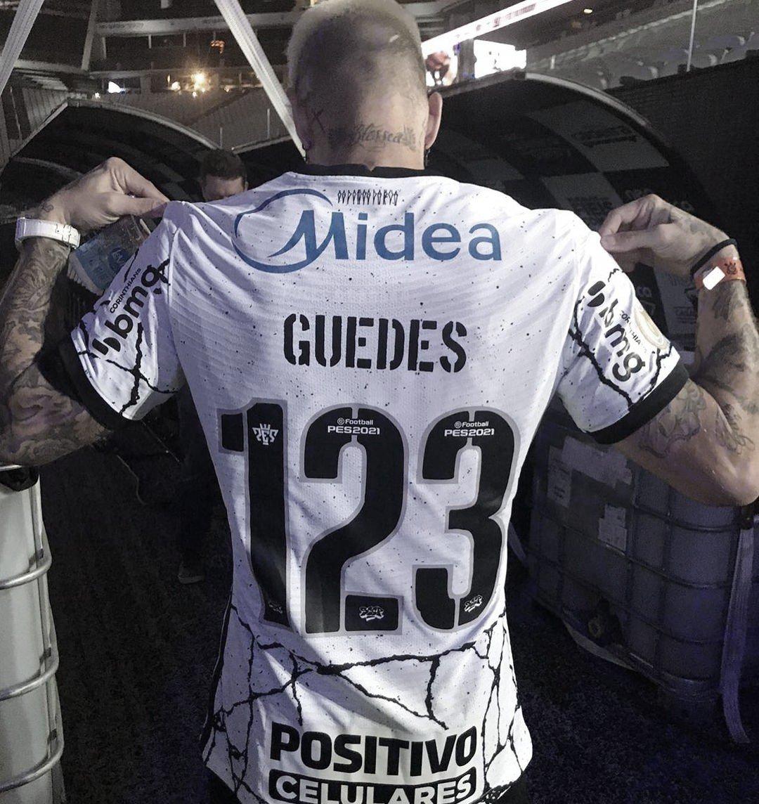 Roger Guedes com a 123: relembre outros jogadores que utilizaram numeração 'exótica' no Brasil