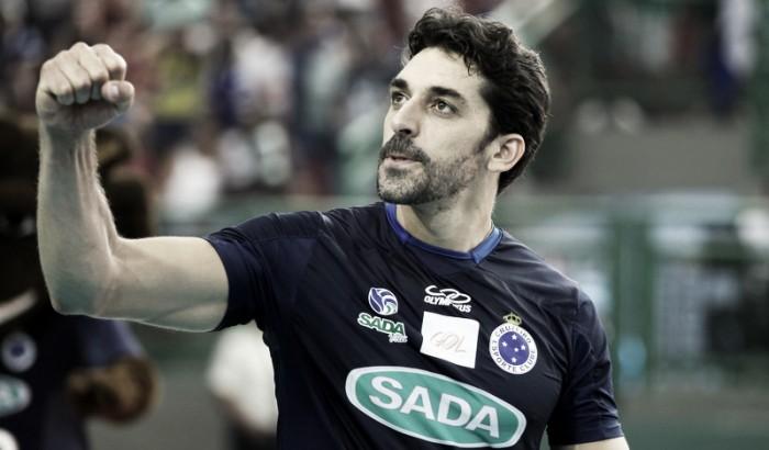 Destaque contra Juiz de Fora, ponteiro Filipe exalta superação do Cruzeiro após maratona