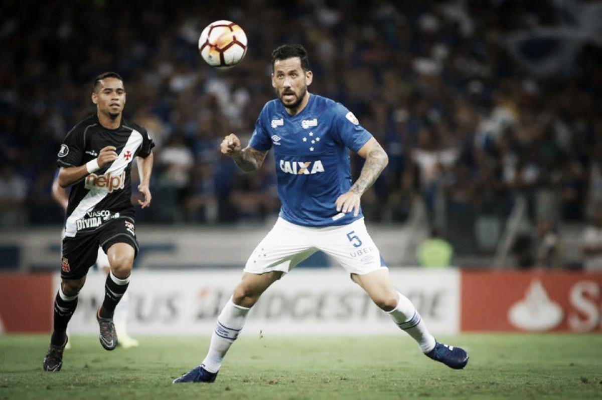 Sem centroavante, Cruzeiro abusa nos cruzamentos diante do Vasco, pela Copa Libertadores