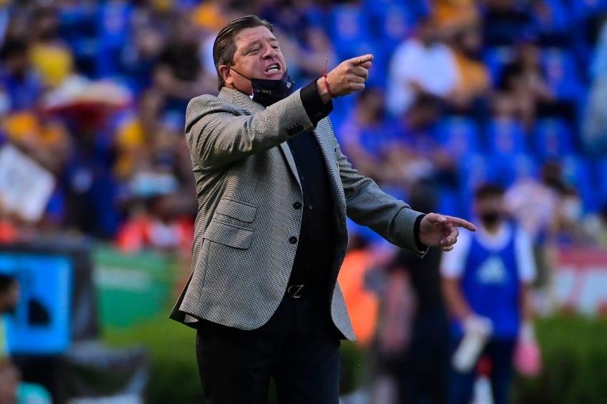 """Miguel Herrera: """"No es un resultado para echar campanas al vuelo"""""""