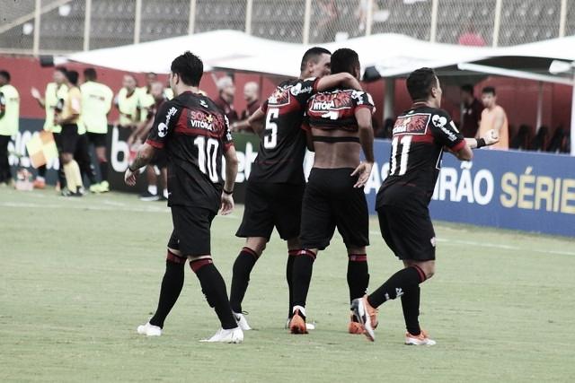 Buscando se afastar do Z-4, Vitória e São Bento medem forças em Salvador