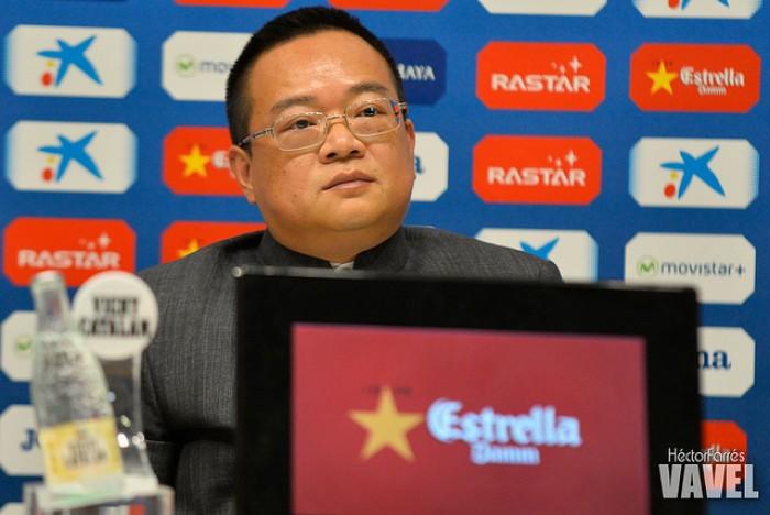 Mr.Chen llega para poner orden