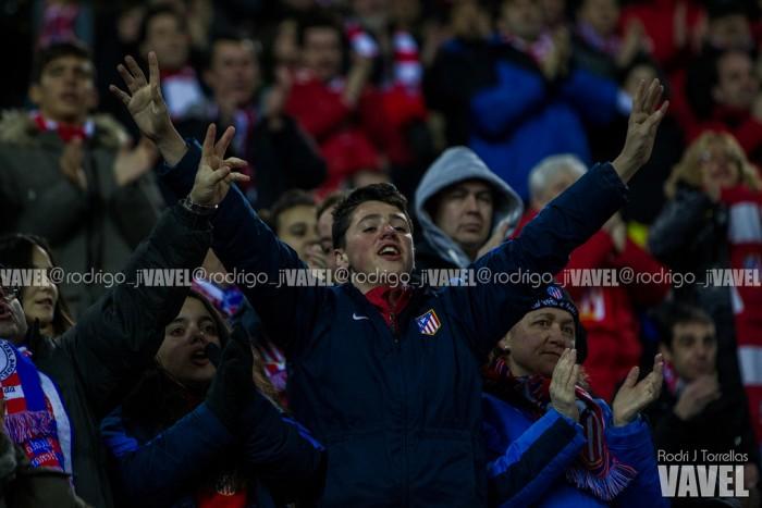 El Calderón canta, Mestalla silba