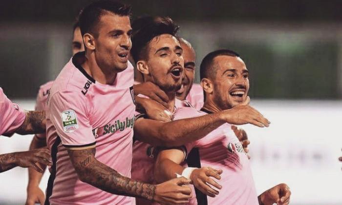 Serie B - Il Palermo schianta il Bari e si prende la vetta: 0-3 al San Nicola
