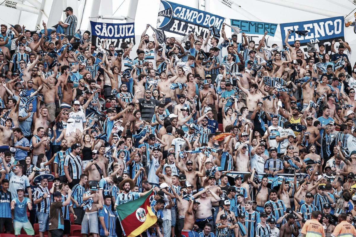Grêmio perde para o Inter, mas garante classificação