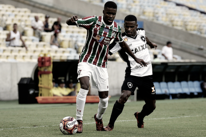 Análise: mudança de esquema e alterações fazem Fluminense melhorar no segundo tempo