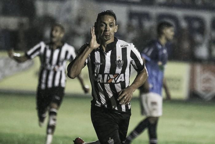 Ricardo Oliveira marca pela primeira vez e dá vitória ao Atlético sobre a URT