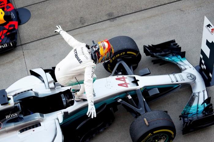 """F1, Mercedes - Cowell annuncia rivoluzioni: """"Aspettatevi novità!"""""""