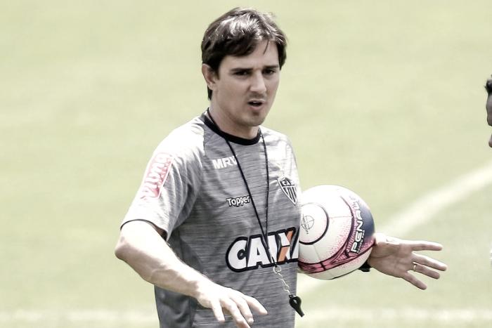 Técnico interino do Atlético-MG, Larghi pede paciência e Gallo dá novo prazo para contratar técnico