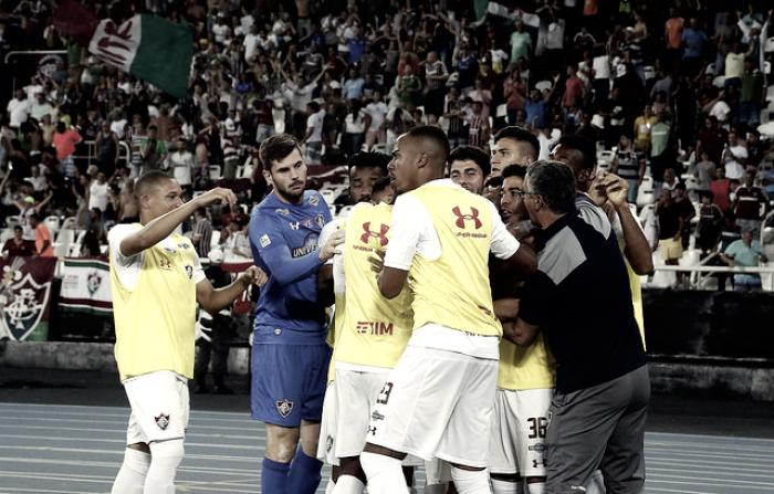 Fluminense supera Botafogo e conquista primeira vitória de virada no Brasileirão