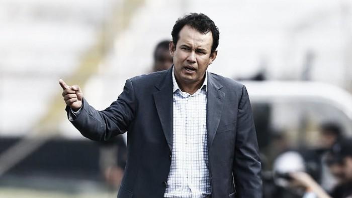 "Juan Reynoso: ""A mi me sancionan, pero a alguien que fracturó a un compañero no"""