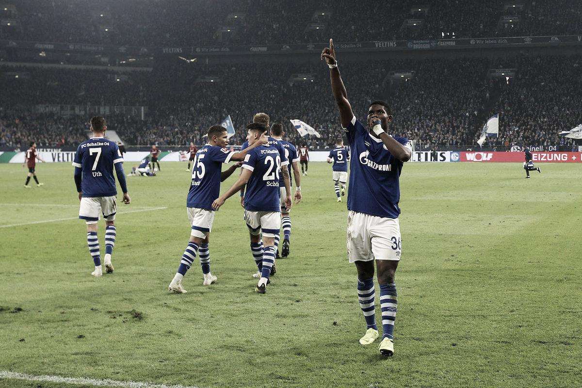 Em jogo animado no segundo tempo, Schalke 04 vence Hannover e respira na Bundesliga