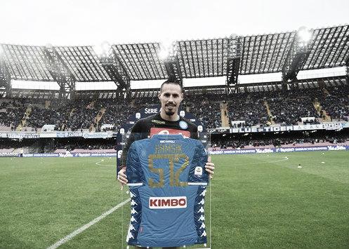 Em dia de homenagens a Hamsik, Napoli tropeça em casa no lanterna Chievo