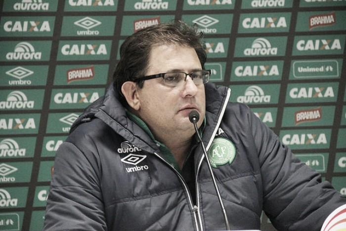 """Guto Ferreira destaca dedicação da Chapecoense em vitória: """"Superamos tudo e todos"""""""