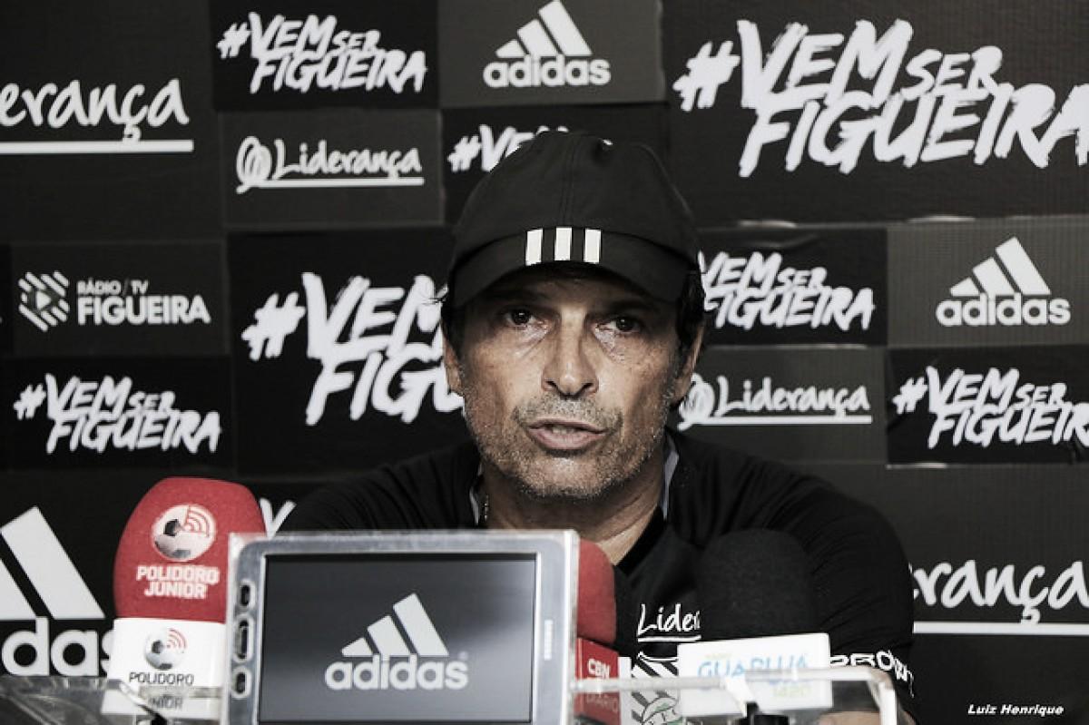 """Milton Cruz comemora vitória do Figueirense, mas cobra atenção da equipe: """"Precisamos melhorar"""""""