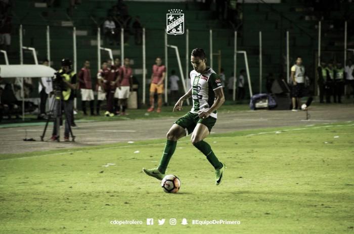 José Alí Meza le ganó a Arquímedes Figuera el duelo de criollos en la Libertadores