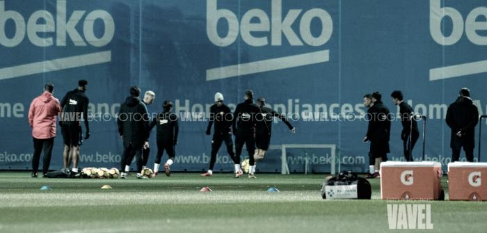 Entrenamiento del primer equipo antes de viajar a Sevilla