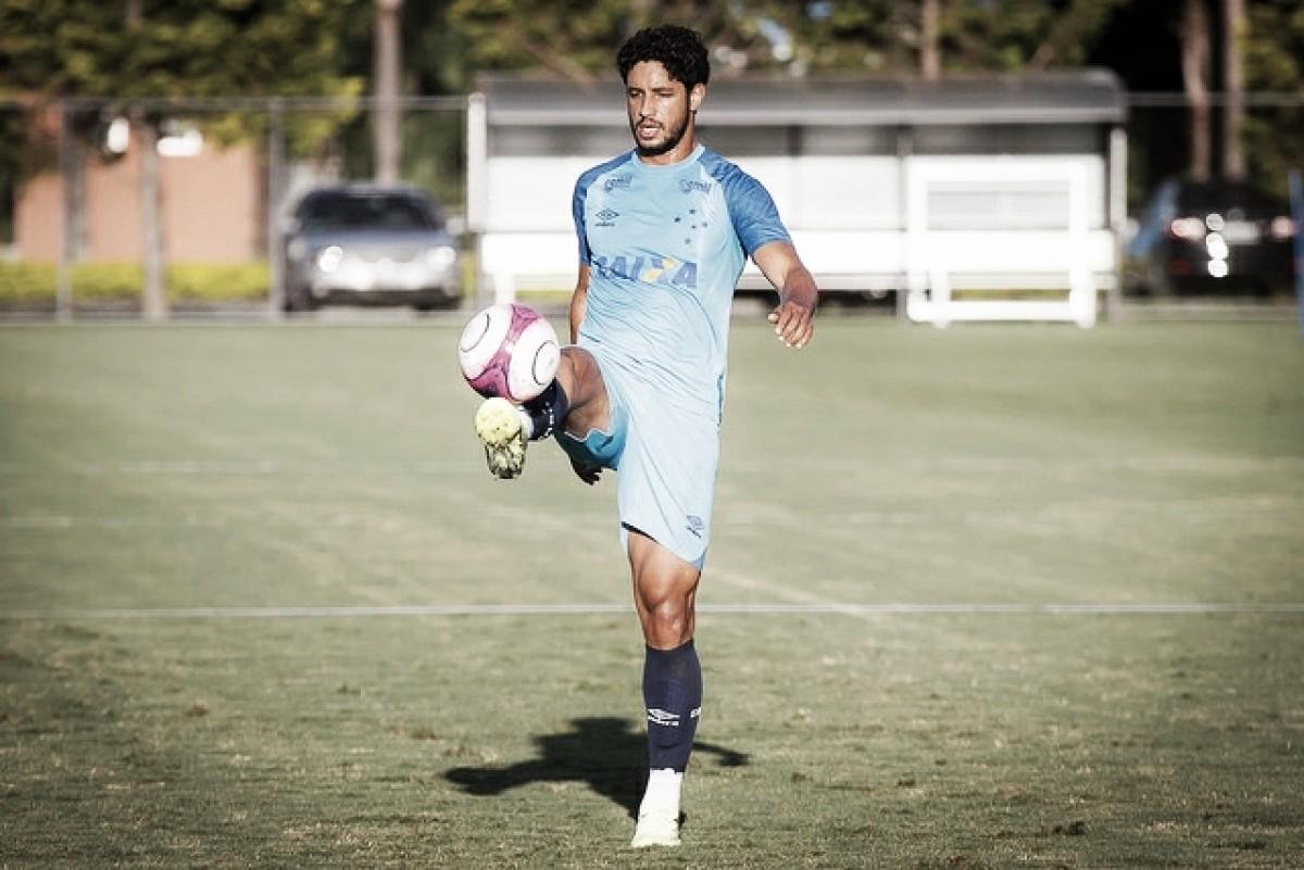 Em noite brilhante, zagueiro Léo analisa a goleada do Cruzeiro contra o Vasco na Libertadores