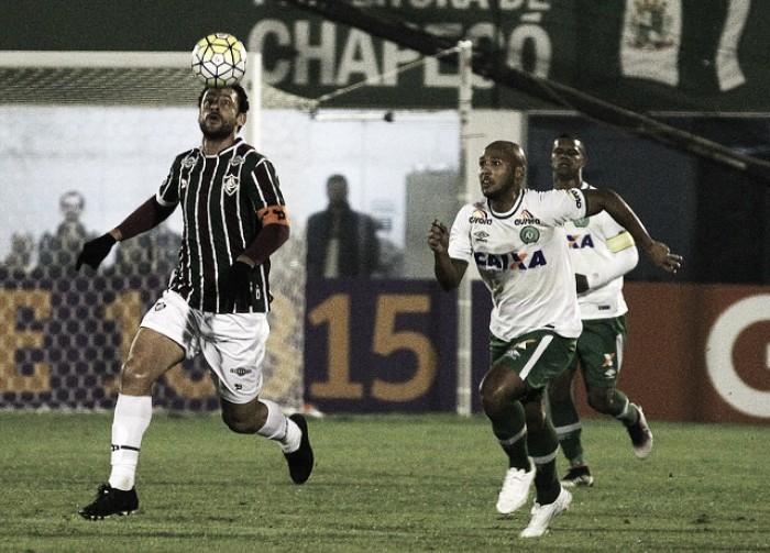 Chapecoense e Fluminense empatam sem gols na Arena Condá