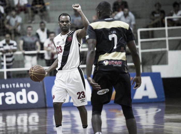 Crise dentro e fora de quadra: Vasco deve três meses de salário ao time de basquete