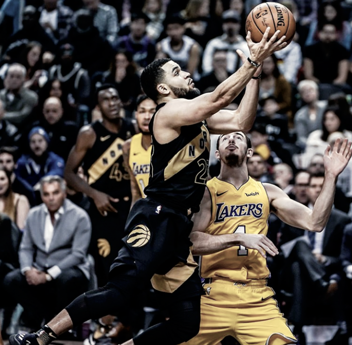 Victoria de Raptors contra Lakers