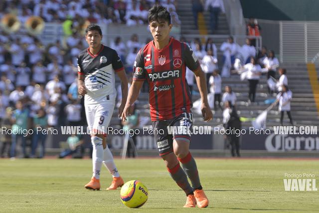 Cambio de rayas; Dieter Villalpaldo, nuevo jugador de Chivas