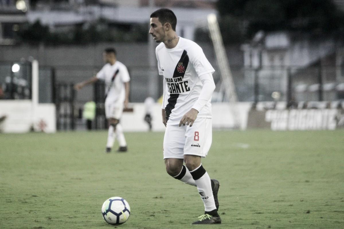 Após sofrer choque na cabeça, meia Thiago Galhardo desfalca Vasco diante do Racing