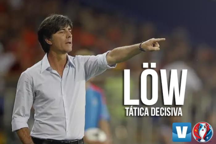 Joachim Löw e as dificuldades de definir o setor ofensivo após lesões de Khedira e Mario Gómez