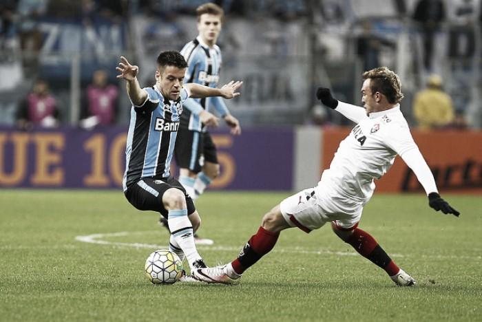 Vitória surpreende Grêmio fora de casa e se afasta da zona de rebaixamento