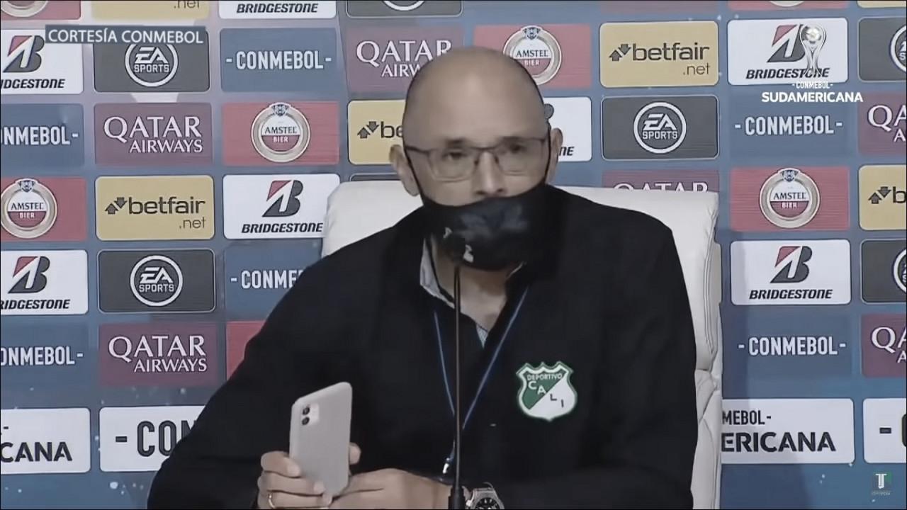 """Alfredo Arias: """"En el fútbol siempre hay una revancha a la vuelta de la esquina"""""""