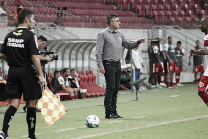 Lesões interferem e Gallo faz mistério no Náutico para jogo contra o Goiás