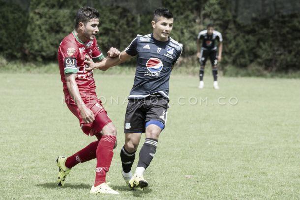 Omar Vásquez vuelve a ser convocado por Ricardo Lunari