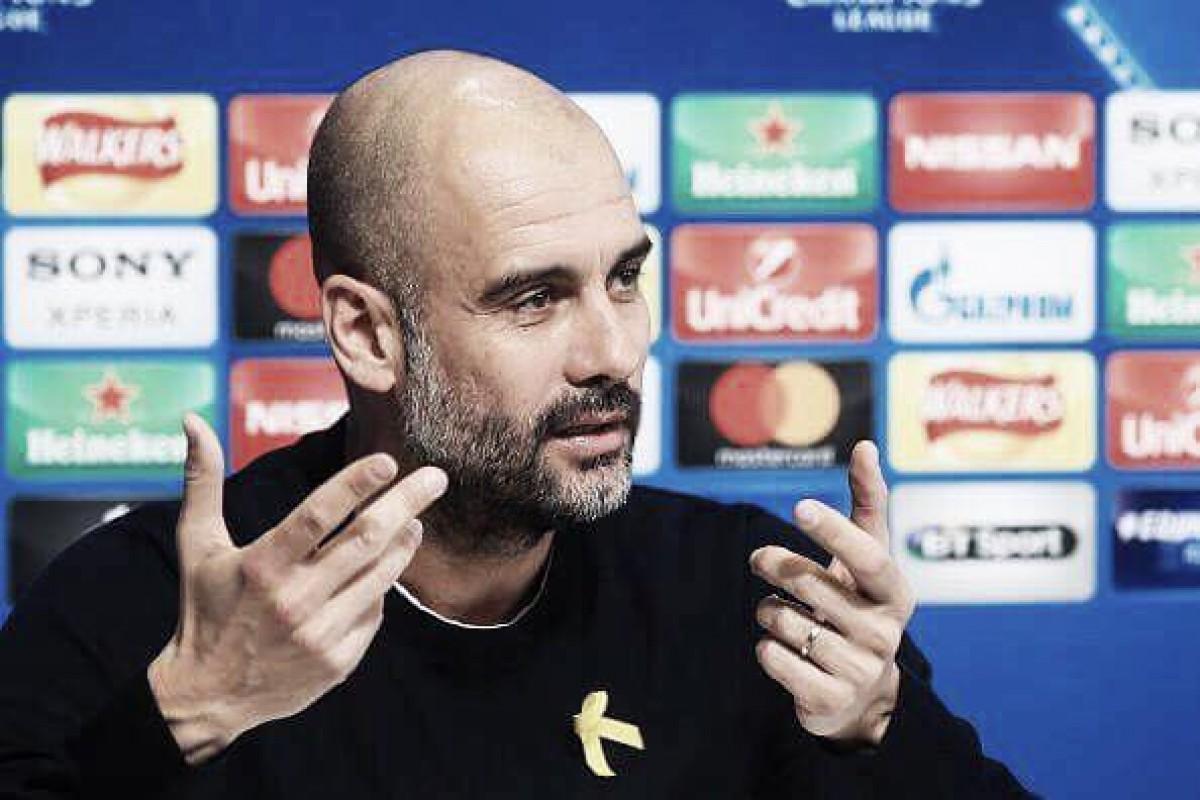 Guardiola é multado em £ 20 milhões pela FA por utilização de fita em protesto político