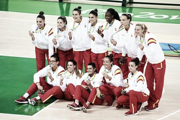 Plata para unas chicas de oro - Las chicas de oro espana ...