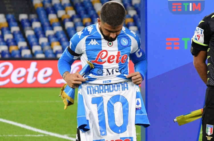 Il Napoli onora al meglio Maradona: demolita la Roma 4-0