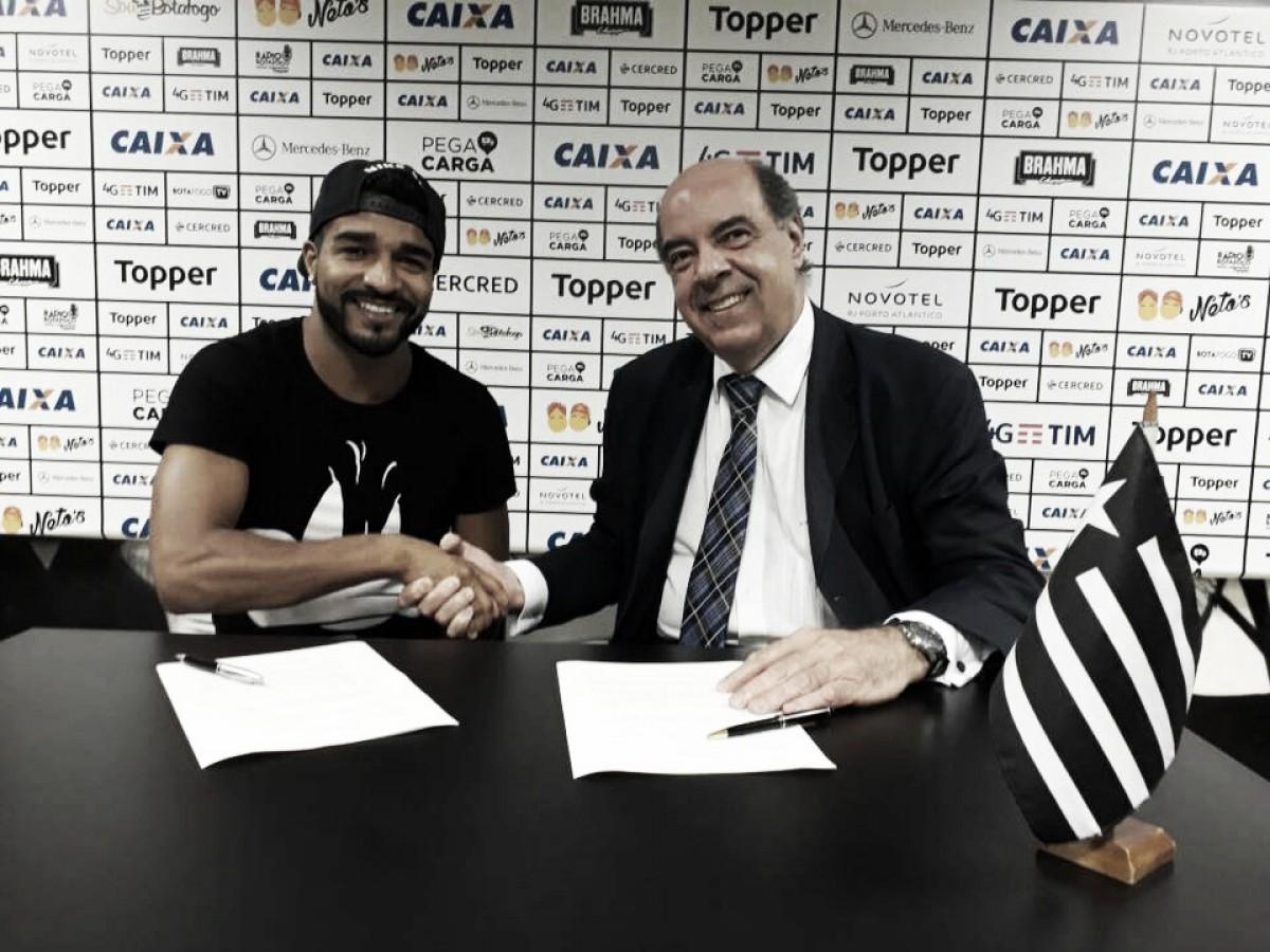Capítulo final: Rodrigo Aguirre enfim é anunciado pelo Botafogo