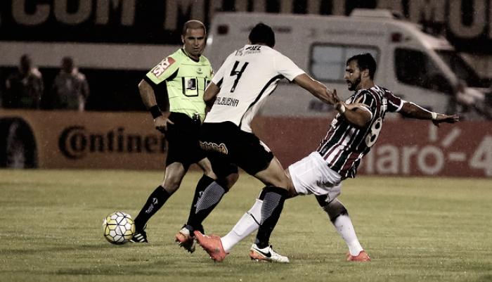 Na estreia do novo uniforme, Flu recebe desfalcado Corinthians no Maracanã de olho no G-6