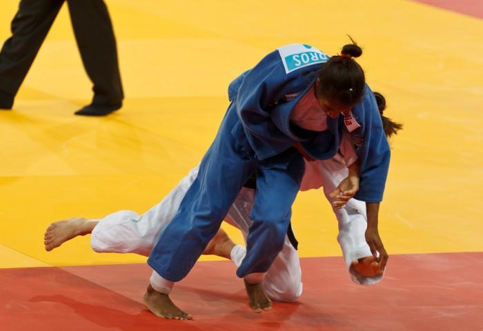 Campeã do Troféu Brasil, Ketleyn Quadros comemora bom início do ciclo visando os Tóquio-2020