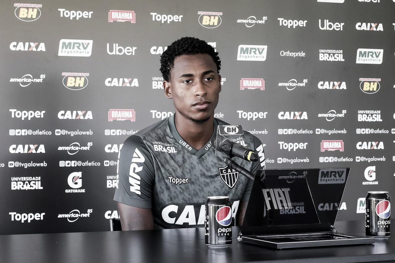 """Denílson prega calma no Atlético-MG e afirma:""""Podemos conseguir algo no campeonato ainda"""""""