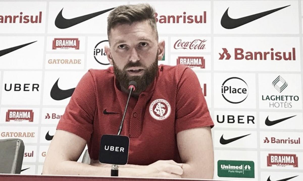 """Fabiano pede atenção ao Inter em Gre-Nal: """"Não podemos dar mais oportunidades"""""""