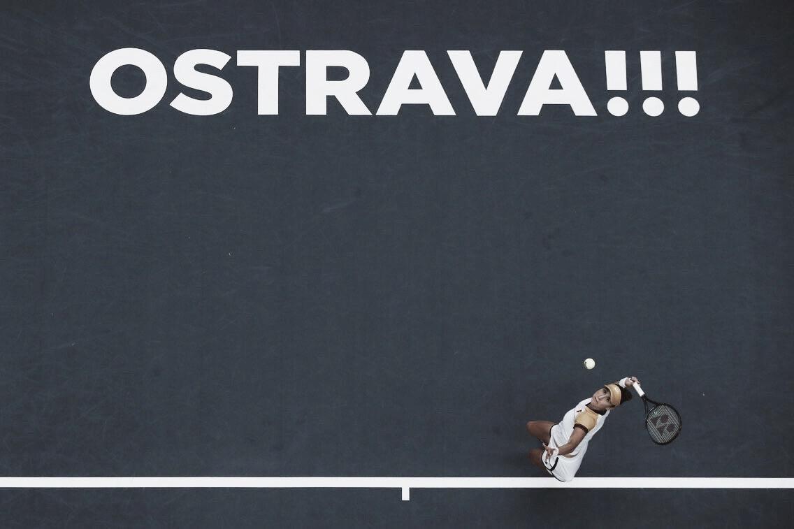 Bencic confirma favoritismo contra Sorribes Tormo e segue às quartas em Ostrava