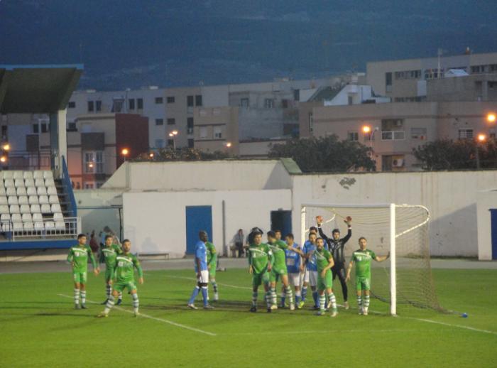 El Linares sale vivo de Melilla