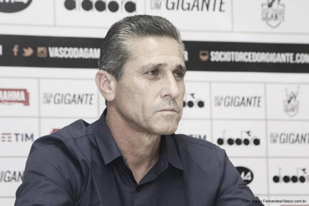 """De volta ao Vasco, Jorginho conta com apoio e carinho da torcida: """"Isso me dá forças"""""""