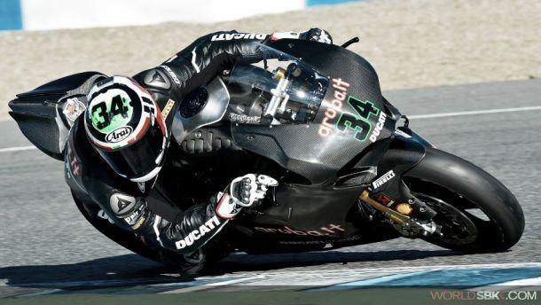 Giugliano encabeza la tabla de tiempos combinados en Jerez