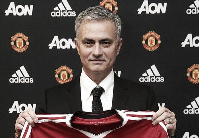 Premier League, ora è ufficiale: José Mourinho è il nuovo manager del Manchester United