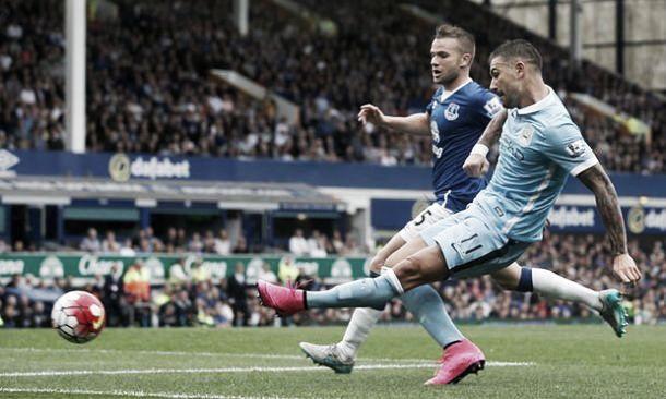 Difesa solida, attacco fantasia: il Manchester City passa 2-0 al Goodison Park
